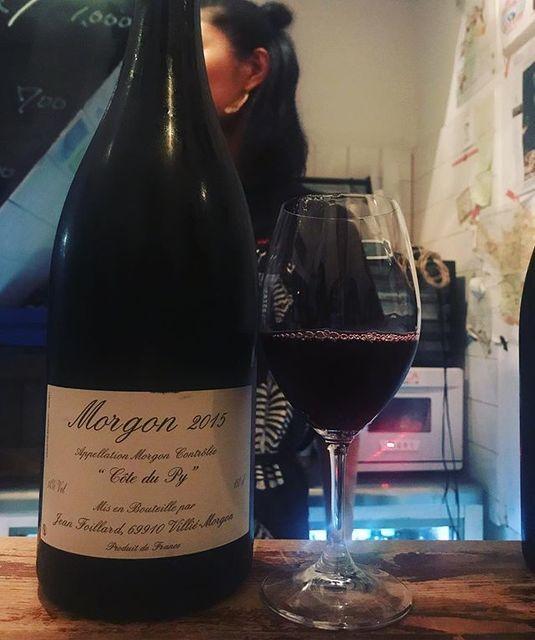 winyさんはInstagramを利用しています:「Morgon Cote du Py 2015 magnum / Jean Foillard - #beaujolais #France (#gamay ) モルゴン・コート・デュ・ピィ 2015 マグナム / ジャン・フォワヤール - #フランス #ボジョレー (#ガメイ)…」 (12742)