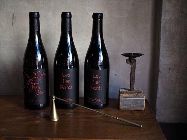 """tomohiro sakata on Instagram: """"【ワインガイド更新!】 . フランス ブルゴーニュ 祖父との思い出溢れるオート コート ド ニュイという土地を愛し、その土地のポテンシャルを最大限のレベルまで引き出し、途方もなくエモーショナルなワインを生み出しているヤン・ドゥリュー。…"""" (13214)"""