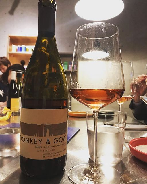"winy.tokyo on Instagram: ""Pinot Gris 2016 / Donkey & Goat Winery (Jared Brandt & Tracy Brandt) - #California, #USA (#PinotGris) ピノ・グリ 2016 /…"" (13297)"