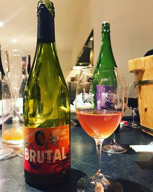 "winy.tokyo on Instagram: ""Brutal 2016 / Le Temps des Cerises (Axel Prufer) - #Languedoc, #France (#cinsault ) ブリュタル 2016 / ル・トン・デ・スリーズ(アクセル・プリュファー)-…"" (13438)"