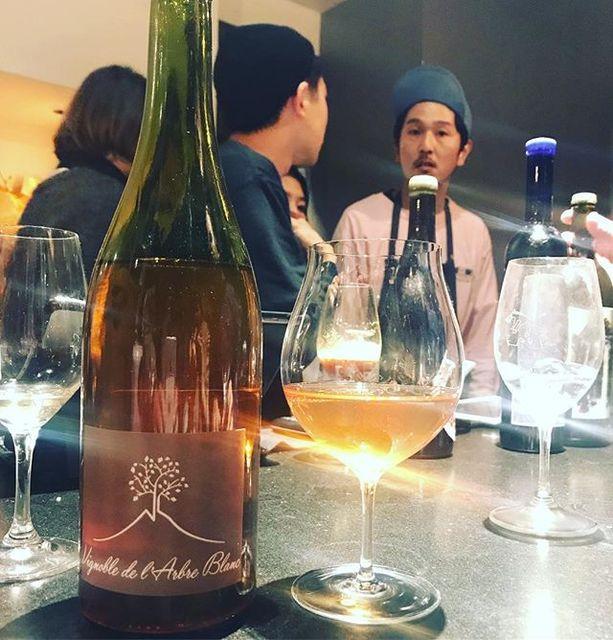 "winy.tokyo on Instagram: ""Les Fesses 2015 / L'Arbre Blanc (Frederic Gounan) - #Auvergne,#France (#PinotGris, #SauvignonBlanc) レ・フェス 2015 / ラルブル・ブラン(フレデリック・グナン)-…"" (13440)"
