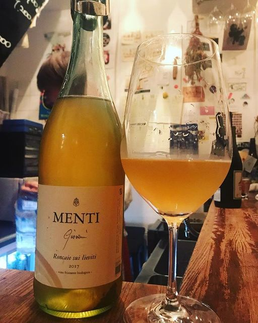 "winy.tokyo on Instagram: ""Roncaie sui Lieviti 2017 / Menti (Menti Giovanni) - #Venet, #Italy (#Garganega) ロンカイエ・スィ・リエーヴィティ 2017 / メンティ(メンティ・ジオバンニ)-…"" (13669)"