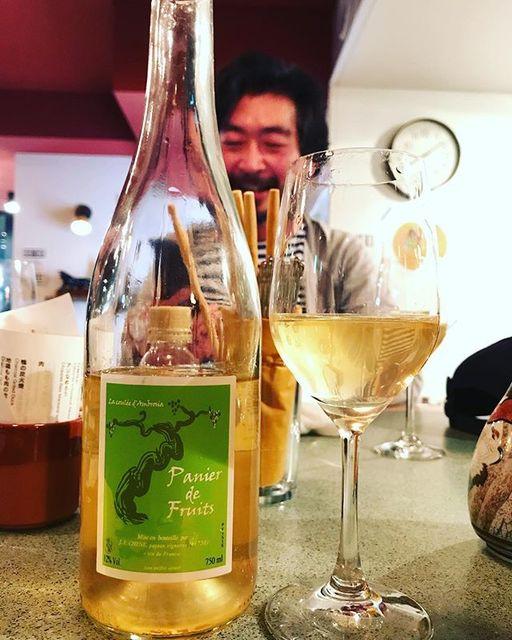 "winy.tokyo on Instagram: ""Panier de Fruits 2015 / La Coulee d'Ambrosia (Jean-Francois Chene) - #Loire, #France (#CheninBlanc) パニエ・ド・フリュイ 2015 /…"" (14056)"