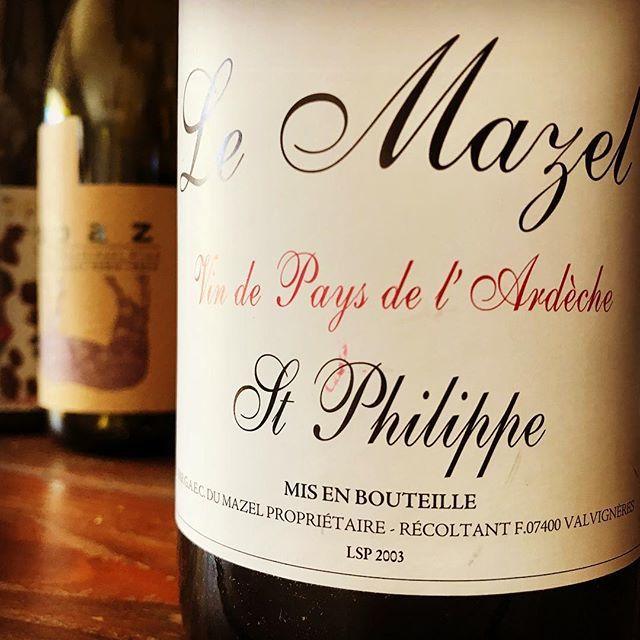 """nadja1963 on Instagram: """"2003 St.Philippe, Le Mazel. これも幸せな数年前のありがたい蔵出しだった。この年はパリでもたくさんの人々を葬った灼熱の年。 この年は2月にパリにいたのだが30℃を超えた。…"""" (14090)"""