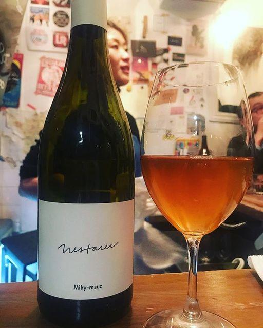"winy.tokyo on Instagram: ""Miky-mauz 2015 / Milan Nestarec - #Moravia, #CzechRepublic (#Chardonnay, #Gewurztraminer, #GrunerVeltliner, #PinotGris) ミッキー・マウス 2015 /…"" (14094)"