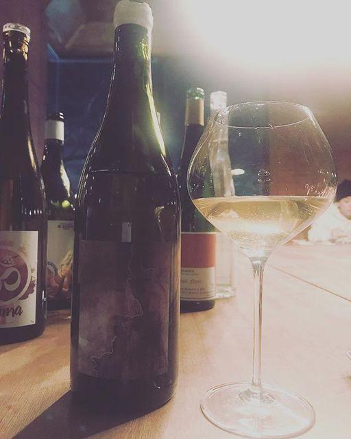 "winy.tokyo on Instagram: ""Blanc XVI 2016 / Chateau Lestignac (Camille et Mathias Marquet) - #SudOuest, #France (#SauvignonBlanc) ブラン XVI 2016 / シャトー・レスティニャック(カミーユ &…"" (14399)"