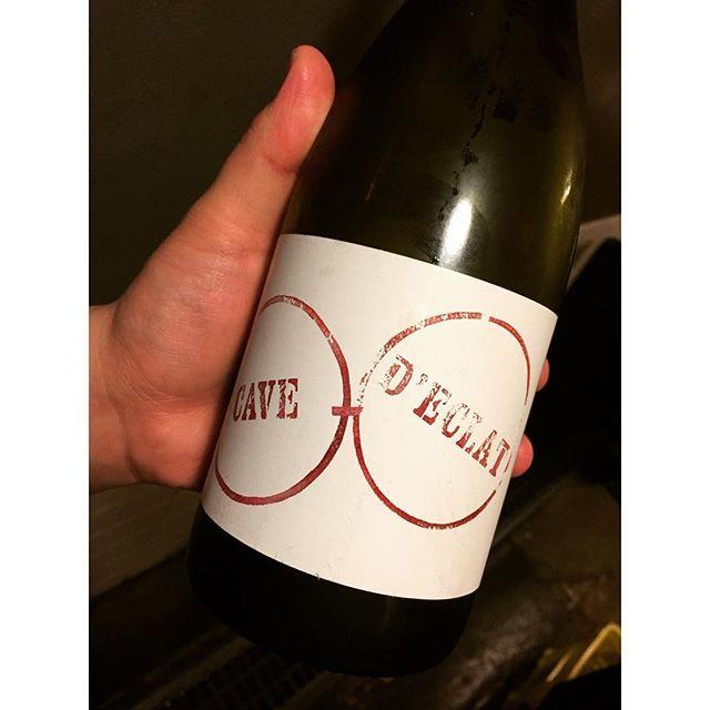 """Chihiro Taguchi on Instagram: """"常連のカップルの方達が家でナチュラルワインを飲む際に、「ekaki臭い」というワードを使われるそうです。じわじわ嬉しくなりました#カーヴデクラ #naturalwine #大衆ワイン酒場 #自然派ワイン #vinnaturel"""" (14425)"""