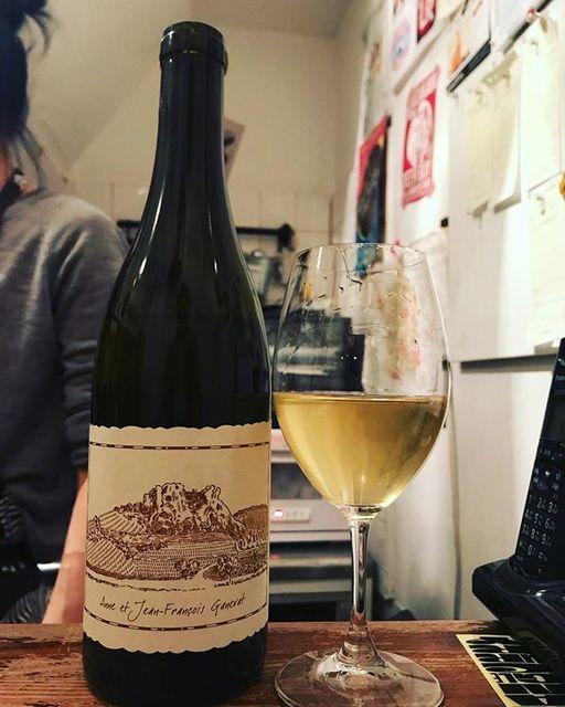 """winy.tokyo on Instagram: """"Champs Poids 2015 / Anne et Jean François Ganevat - #Jura, #France (#Chardonnay) シャン・ポワ 2015 / アンヌ & ジャン・フランソワ・ガヌヴァ - #フランス、#ジュラ(#シャルドネ)…"""" (14712)"""