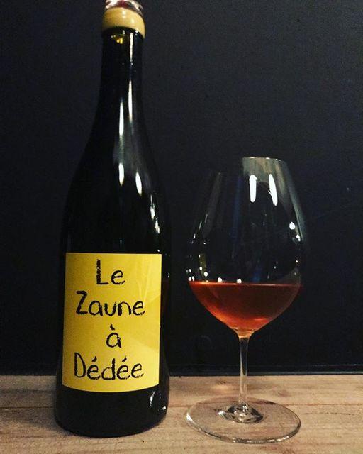 """winy.tokyo on Instagram: """"Le Zaune a Dedee 2015 / Anne et Jean-Francois Ganevat - #Jura, #France (#Savagnin, #Gewurtztraminer)  ル・ゾーヌ・ア・デデ 2015 /…"""" (14717)"""