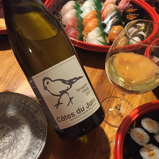 """Takuro Koga on Instagram: """"昨日の晩御飯より。 長男の入学式と、長女の入園式を終え、 おめでとう&怒涛の1週間お疲れ様の宴を。 口実をつけてお寿司食べたいだけですが(笑) 合わせたのはジュラ。 なんだか年々、酒質が良くなっている気がする、 ディディエグラップのサヴァニャン ウイエ。…"""" (15530)"""
