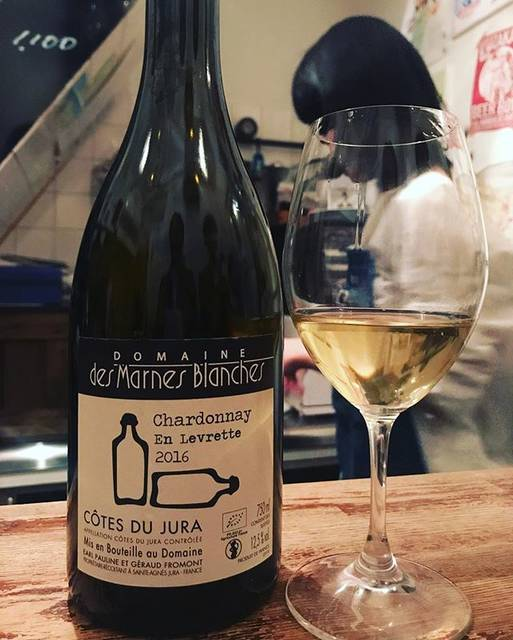 "winy.tokyo on Instagram: ""Cardonnay En Levrette 2016 / Domaine des Marnes Blanches (Géraud Fromont) - #Jura, #France (#Chardonnay)  シャルドネ アン・ルヴレット 2016 / ドメーヌ…"" (15735)"