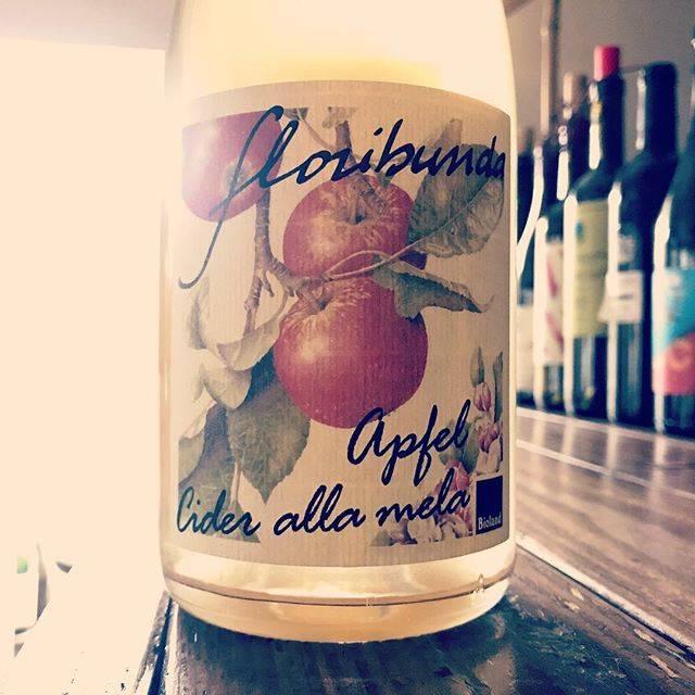 "nadja1963 on Instagram: ""アルトアディージェの植物学者の無添シードロも入荷です。今宵はナジャ19時開店です☆#franzegger#malusfloribunda#winebarnadja#梅田から10分 #塚口ワイン #塚口"" (15823)"