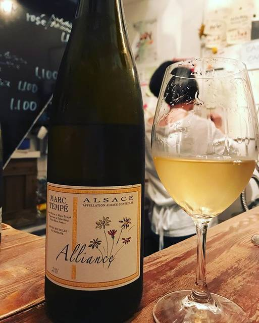 "winy.tokyo on Instagram: ""Alliance 2016 / Marc Tempe - #Alsace, #France (#PinotBlanc & #Auxerrois 30%, #Silvaner 25%, #Gewurtztraminer 20%, #Chasselas 10%, #Riesling…"" (15994)"