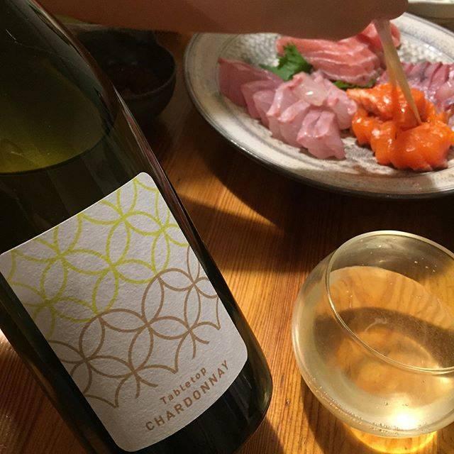 "Takuro Koga on Instagram: ""いつかの晩御飯より。 手巻き寿司でワインをぐびぐびと。 清澄白河フジマル醸造所の、 テーブルトップ シャルドネ2017。 山形産のシャルドネを、除梗せずにプレス。 出てきた果汁を発酵させたのち、 ステンレスタンクとオーク樽に分けて熟成。…"" (16060)"