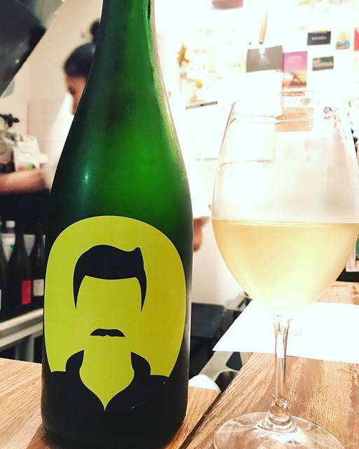 "winy.tokyo on Instagram: ""Youngster White 2018 / Milan Nestarec - #Moravia, #Czech (#Neuburger, #Chardonnay) ヤングスター・ホワイト 2018 / ミラン・ネスタレッツ -…"" (16139)"