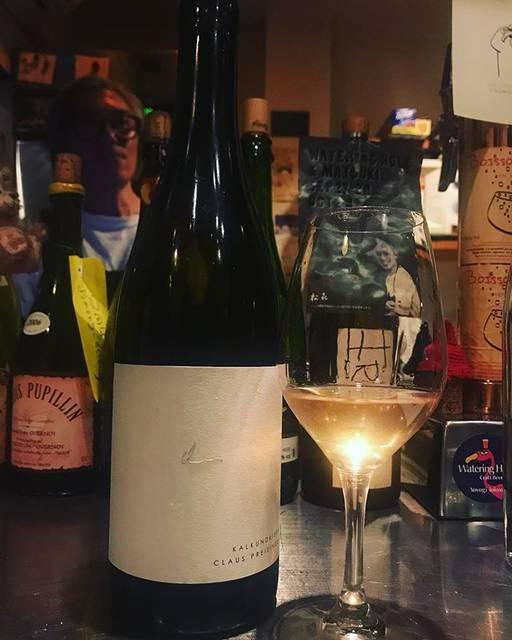 """winy.tokyo on Instagram: """"Kalkundkiesel 2017 / Claus Preisinger - #Burgenland, #Austria (#GrunerVeltliner, #PinotBlanc) カルクウントキーゼル 2017 / クラウス・プライジンガー -…"""" (16333)"""