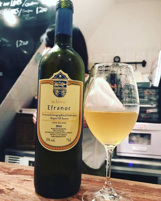 "winy.tokyo on Instagram: ""Efranor 2016 / Domaine Sklavos (Evriviadis Sclavos) - #Kefalonia, #Greece (#Moscatela, #Vistolidi) エフラノール 2016 /…"" (16947)"