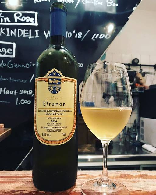 "winy.tokyo on Instagram: ""Efranor 2016 / Domaine Sklavos (Evriviadis Sclavos) - #Kefalonia, #Greece (#Moscatela, #Vistolidi) エフラノール 2016 /…"" (17335)"