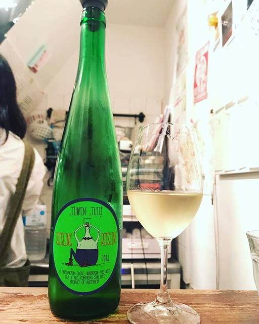 "winy.tokyo on Instagram: ""Jumpin' Juice Riesling 2018 / Patrick Sullivan - #Victoria, #Australia (#Riesling) ジャンピン・ジュース・リースリング 2018 /パトリック・サリヴァン -…"" (17365)"