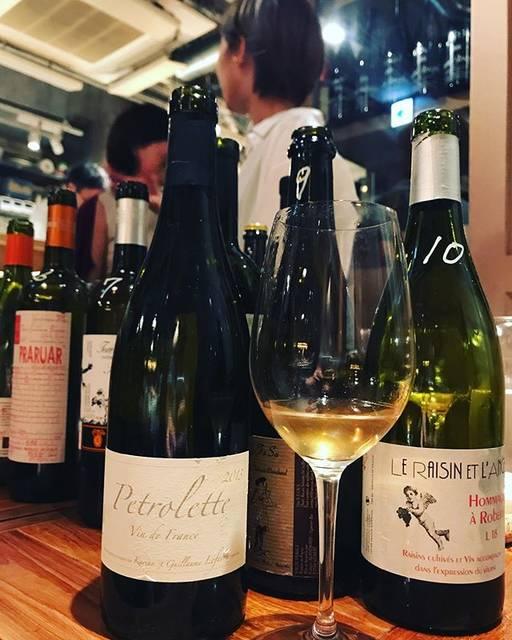 "winy.tokyo on Instagram: ""Petrolette 2013 / Domaine Sulauze (Karina et Guillaume Lefèvre) - #Provence, #France (#UgniBlanc 50%, #Clairette 50%) ペトロレット 2013 /…"" (17819)"