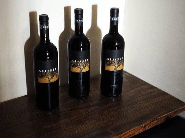 """tomohiro sakata on Instagram: """". . 【ワインガイド更新!】 . イタリア フリウリよりグラヴネルの新着です。 造り手のヨスコ・グラヴネルはイタリアの白ワイン界の巨人、偉大な父と言われる人です。 今回はビアンコ・ブレグ2007、2008とリボッラ…"""" (17838)"""