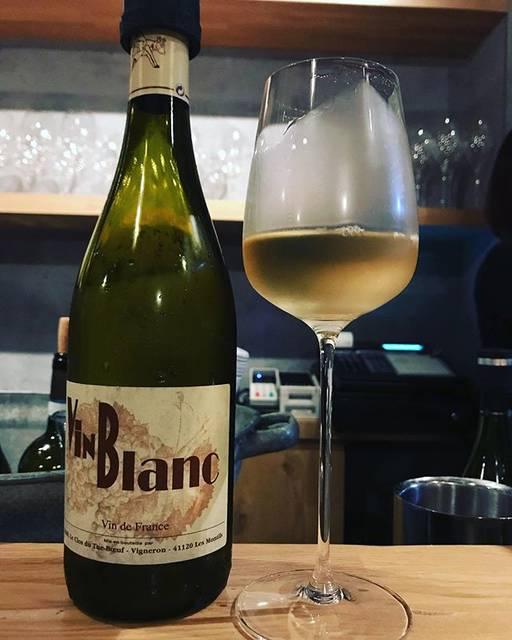 """winy.tokyo on Instagram: """"Le P'tit Blanc du Tue-Boeuf 2018 / Le Clos du Tue-Bœuf (Jean-Marie & Thierry Puzelat) - #Loire, #France (#SauvignonBlanc)…"""" (17990)"""