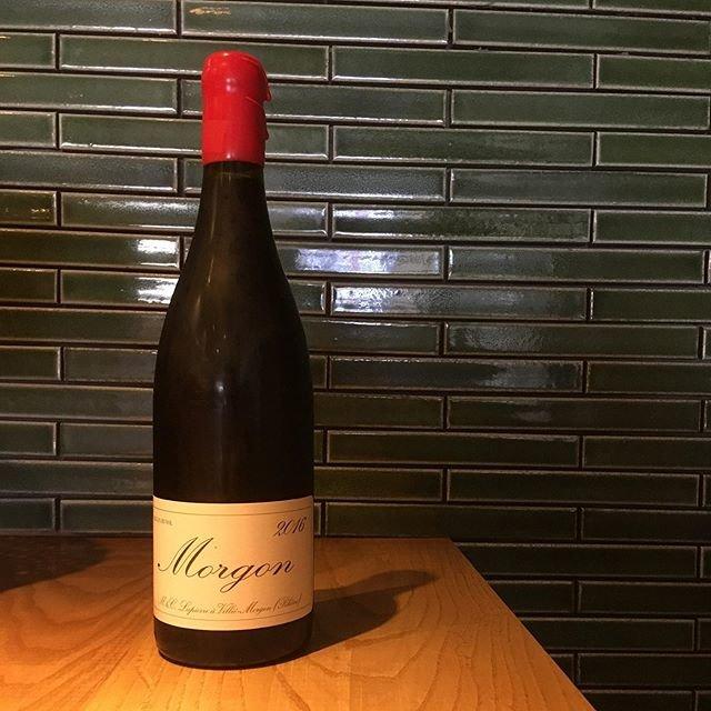 """@syokudo_tokiwa on Instagram: """"2019/10/10 木曜  今現在に至るワインの潮流を作った?変えた?戻した?偉大なる巨匠 マルセル ラピエール氏の命日。もう9年経ちますか。前職の姉妹店に来阪したことは記憶に刻まれています。現在ワイン作りは息子さんはじめ家族でしっかりと意志を引き継いで運営されています。…"""" (18287)"""
