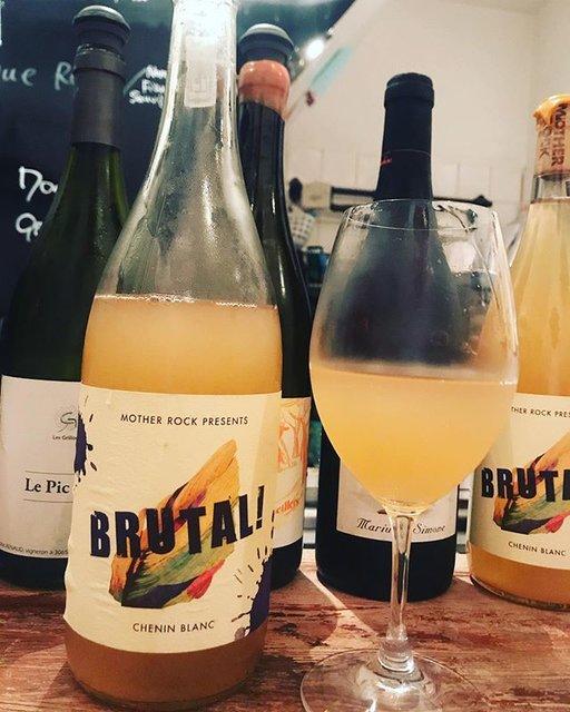 "winy.tokyo on Instagram: ""Brutal 2018 / Mother Rock (Johan Meyer) - #Swartland, #SouthAfrica (#CheninBlanc) ブリュタル 2018 / マザー・ロック(ヨハン・メイヤー)- #南アフリカ、#スワートランド(#シュナンブラン)…"" (18309)"