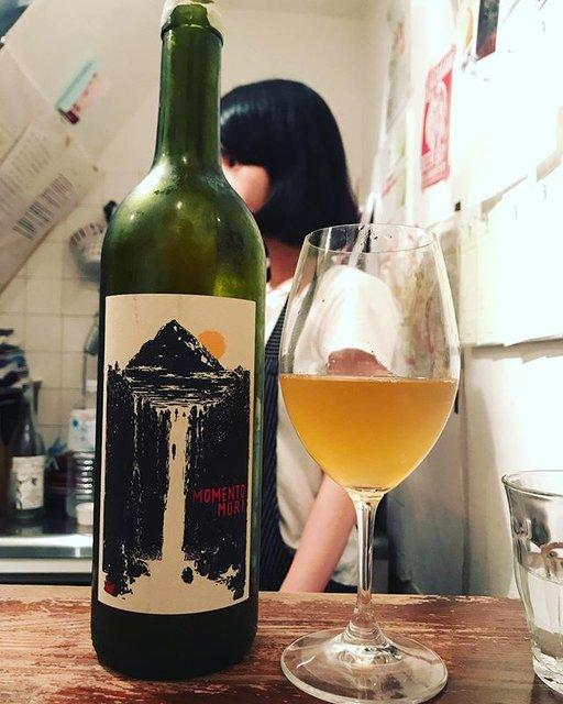 "winy.tokyo on Instagram: ""Nosiola 2017 / Momento Mori Wines (Dane Johns) - #Victoria, #Australia (#Nosiola) ノジオラ 2017 / モメント・モリ・ワインズ(デイン・ジョンズ)-…"" (18353)"