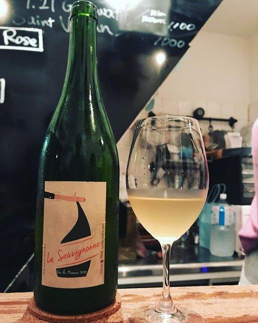"""winy.tokyo on Instagram: """"La Sauvignonne 2017 / Laurent Labled - #Loire, #France (#SauvignonBlanc )  ラ・ソーヴィニヨンヌ 2017 / ローラン・ルブレ - #フランス、#ロワール(#ソーヴィニョンブラン) #winytokyo…"""" (18456)"""
