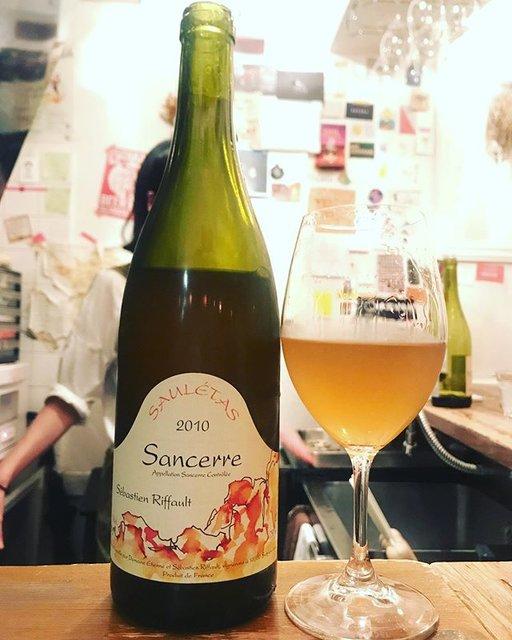 """winy.tokyo on Instagram: """"Sancerre Sauletas 2010 / Sebastien Riffault - #Loire, #France (#SauvignonBlanc) サンセール・サウレタス 2010 / セバスチャン・リフォー - #フランス、#ロワール(#ソーヴィニョンブラン)…"""" (19064)"""