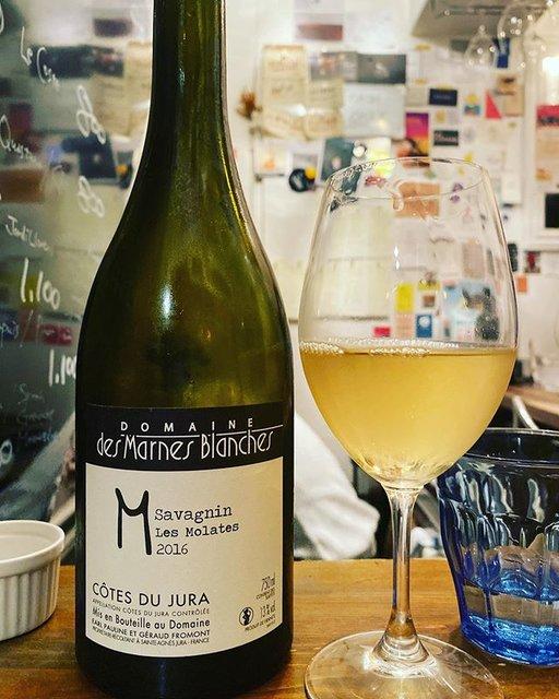 "winy.tokyo on Instagram: ""Savagnin Les Molates2016 / Domaine des Marnes Blanches (Géraud Fromont) - #Jura, #France (#Savagnin)  サヴァニャン ・レ・モラット 2016 / ドメーヌ…"" (19516)"