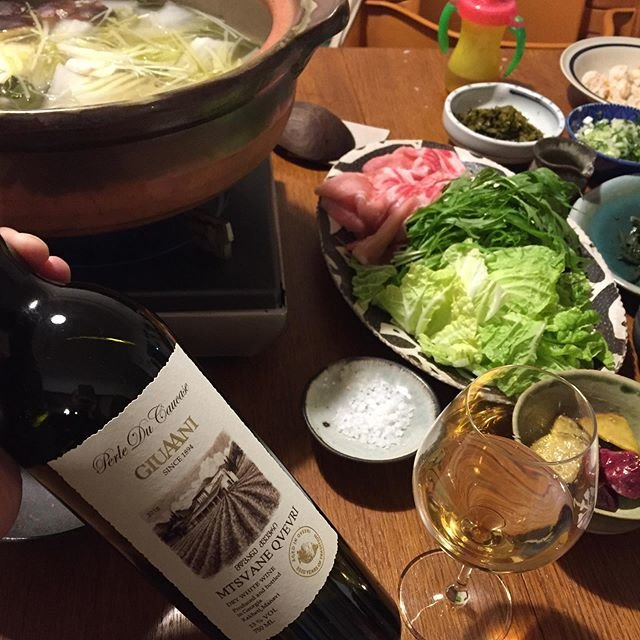 """Takuro Koga on Instagram: """"いつかの晩御飯より。 細川亜衣さんの著書「野菜」収録の、 高菜しゃぶしゃぶのレシピな夜。 これがもう仰け反るくらい美味しかった。。 40年も生きてきて、今さら鍋で感動するなんて! 今年1番美味しかった晩御飯かも知れない。。 永遠に食べれる気がしました。…"""" (19745)"""