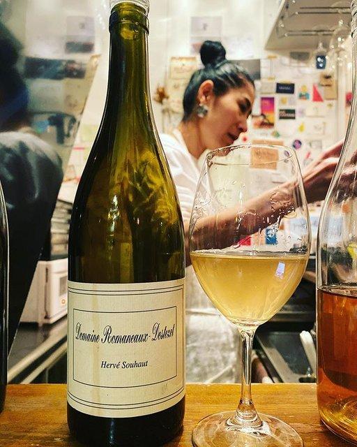 """winy.tokyo on Instagram: """"Blanc 2016 / Domaine Romaneaux Destezet (Herve Souhaut) - #Rhone, #France (#Viognier 70%, #Roussanne 30%) ブラン 2016 /…"""" (19784)"""
