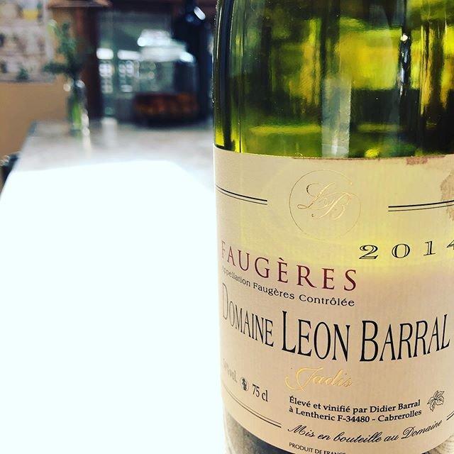"""Beau Temps on Instagram: """"あけましておめでとうございます。 本日、1月2日こら営業です。  本年もどうぞよろしくお願いいたします!  #beautemps #ボータン  #鎌倉 #kamakura #wine #ワイン #自然派ワイン #vinnaturel #vininaturale #Bistro…"""" (19934)"""
