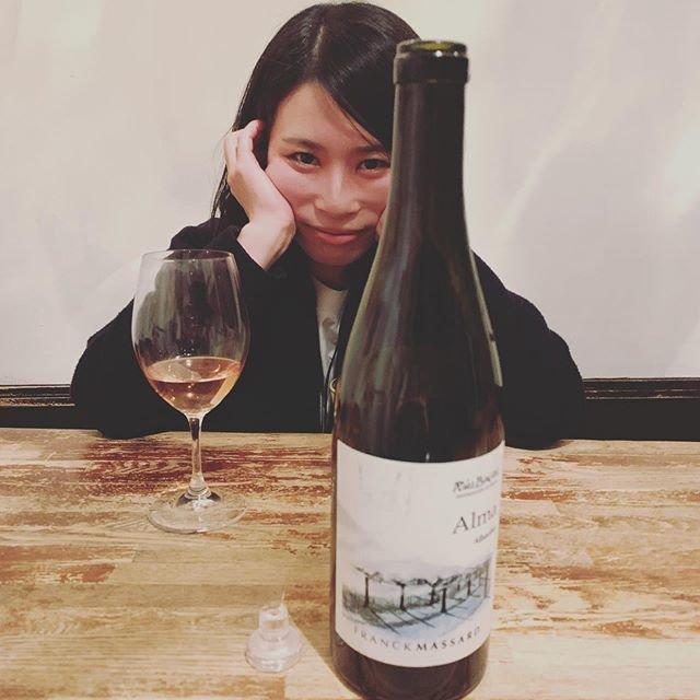 """WINE STAND Bouteille on Instagram: """"こんばんは @bouteille_wine_stand です すっかり投稿がおそくなってしまいました!! なんと! きょうあすで ぶていゆ大ちゃんは卒業です。 ということでとっておきの一枚をあげておきます。 #お宝  ぜひみなさま 大ちゃんらすと2でいず お立ち寄りください…"""" (20698)"""