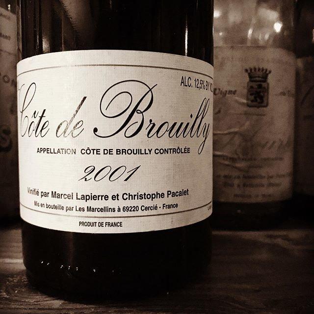 """nadja1963 on Instagram: """"2月1日ナジャ23周年。マルセル ラピエールとクリストフ パカレ。コートドブルイィ2001年。開けてみようかな?の訳ありシリーズ。明日のワインのご案内ですが今宵は1959開門いたしますのでフライデーナイトもよろしくどうぞ☆ #marcellapierre et…"""" (20817)"""