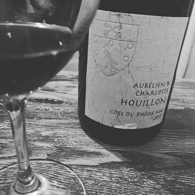 """WINE STAND Bouteille on Instagram: """"こんばんは @bouteille_wine_stand です 本日 2/6(木) 臨時休業 となります。 ごめんなさい。 ご足労ございませんよう なにとぞ よろしくおねがいもうしあげます。 #さむいです  #いろいろ #体調 #みなさま #どうぞ #おきをつけください…"""" (20884)"""