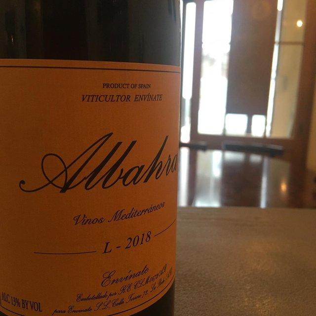 """ピルグリムとソサン on Instagram: """"2/15 本日ピルグリムオープンしております。 ソサンは夕方からです。 よろしくお願いします。  スペインのエンビナーテ。 充実した果実味に冷涼感や適度な硬質感。バニュルスの丘の上のワインような雰囲気…  Envínate Albahra 2018 Garnacha…"""" (21105)"""