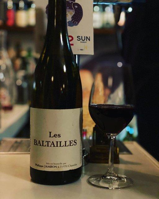 "winy.tokyo on Instagram: ""Les Baltailles 2011 / Philippe Jambon - #Beaujolais, #France (#Gamay) レ・バルタイユ 2011 / フィリップ・ジャンボン - #フランス、#ボジョレー(#ガメイ) #winytokyo #vinnature…"" (21209)"