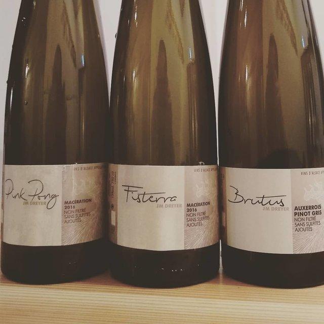 """鶏料理専門 鳥天狗 on Instagram: """"昨夜もありがとうございました!気合の入った日本酒蔵話はとてもシビれますな🍶あと大事に寝かせてたワインを出してドヤ顔してた直後、「差し入れです」とカバンから同じ生産者のワインが出てきたのもシビました😁😁😁"""" (21662)"""