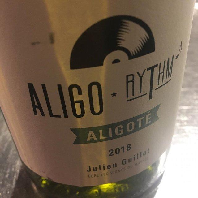 """ピルグリムとソサン on Instagram: """"3/17 本日、ソサン営業しております。  二番通りの新着ワインが少しずつ届いてきます。  ジュリアン ギィヨのアリゴテ。ちゃんとアリゴテでちゃんとジュリアン。  #一杯のワイン  #beaupaysage #vinnature #naturalwine…"""" (21801)"""