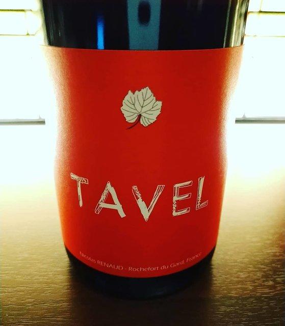 """C'est bien on Instagram: """"ふわふわ暖かい高松の土曜日の夜。 美味しいロゼを開けましょう。タヴェルは南ローヌのロゼの名産地。 そこで薄旨系が抜群に得意なクロ・デ・グリヨンが造るロゼ。旨味が広がります。  #tavel #nicolasrenaud  #lesgrillonshorsduclos…"""" (21840)"""