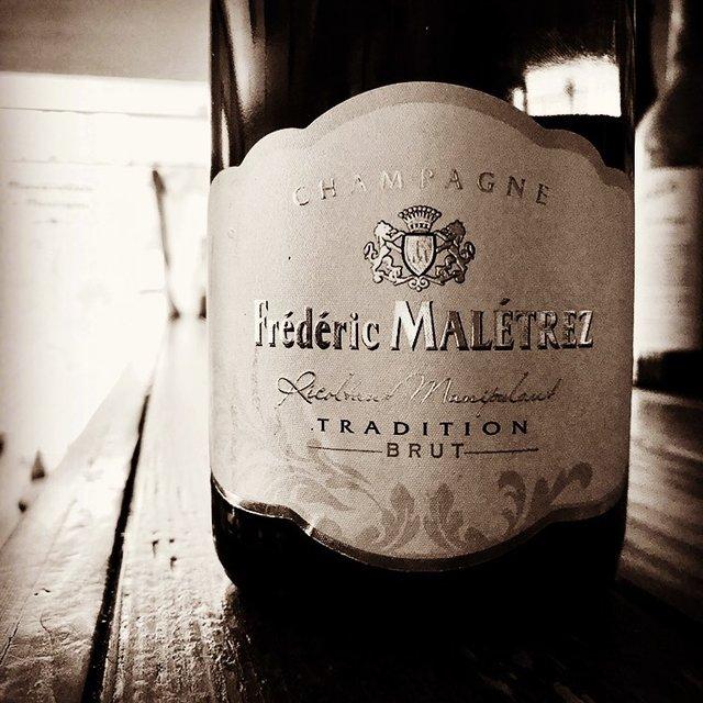 "nadja1963 on Instagram: ""こんなときだからシャンパーニュ。20年前の価格を実現しました。もちろんグラスでどうぞ。ナジャは時短自粛営業で今宵も早めの18時〜23時ラストインです。#fredericMaletrez#winebarnadja#nadjawinelist #阪急塚口"" (22350)"