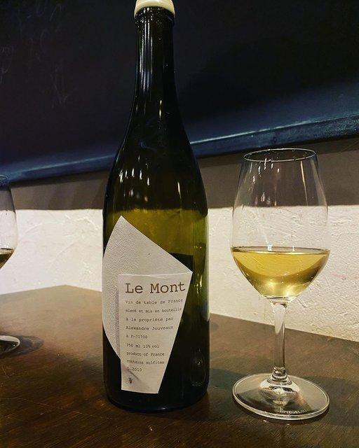 "winy.tokyo on Instagram: ""Le Mont 2010 / Alexandre Jouveaux - #Bourgogne, #France (#Chardonnay) ル・モン 2010 / アレクサンドル・ジュヴォー - #フランス、#ブルゴーニュ(#シャルドネ) #winytokyo…"" (22421)"