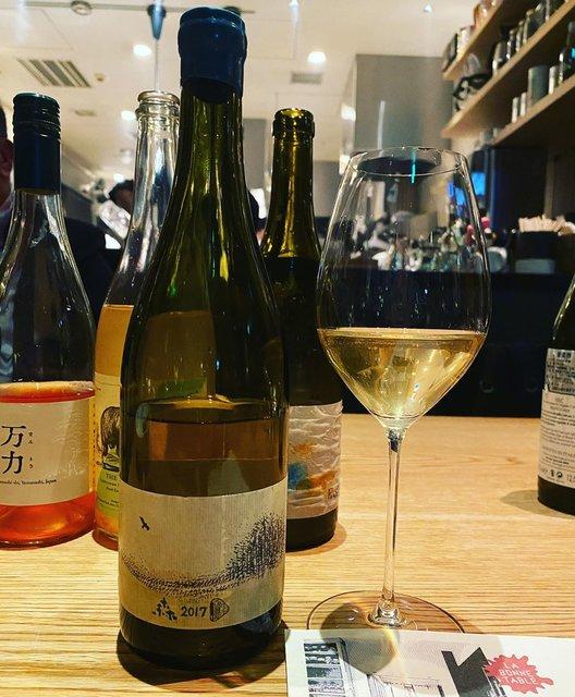 "winy.tokyo on Instagram: ""Mori 2017 / Kamihoro Wine (10R Winery - Ryoko & Bruce Gutlove) - #Hokkaido, #Japan (#SauvignonBlanc) 森 2017 / 上幌ワイン(10Rワイナリー - 亮子 &…"" (22814)"