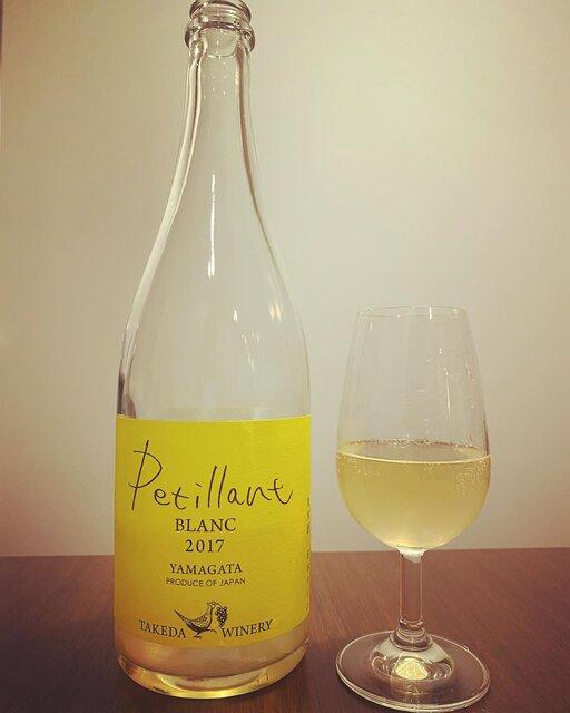 "winy.tokyo on Instagram: ""Petillant Blanc 2017 / Takeda Winery (Noriko Kishidaira) - #Yamagata, #Japan (#Delaware) ペティアン・ブラン 2017 / タケダ・ワイナリー(岸平典子)- #日本、#山形(#デラウェア)…"" (23049)"