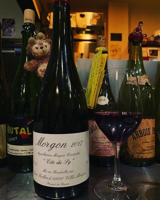 "winy.tokyo on Instagram: ""Morgon Cote du Py 2017 / Jean Foillard - #Beaujolais, #France (#Gamay) モルゴン・コート・デュ・ピィ 2017 / ジャン・フォワヤール - #フランス、#ボジョレー(#ガメイ) #winytokyo…"" (23070)"