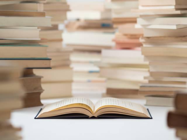 本・雑誌を買うと、電子書籍が無料で読めるサービス『Airbook』、全国のファミリーマート店舗にてスタート