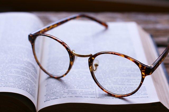 東工大ベンチャー、メガネをかけたままメガネを試着できるサービスを開始 JINS店舗で運用実施